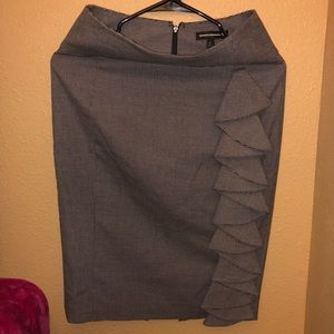 Pencil skirt with ruffle side !